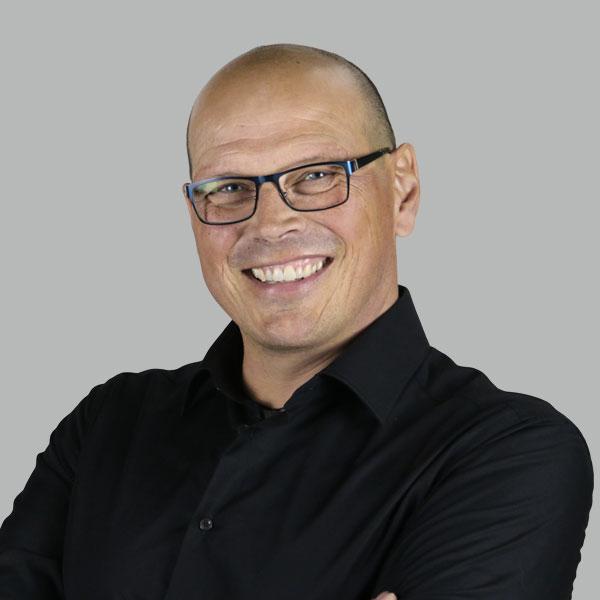 Portraitbild Bernd Schäfer 600x600px | Elutec OHG